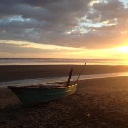 Linda imagen de atardecer desde Playa Esterrillos